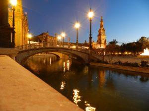 Sevilla ofrece una experiencia maravillosa a todo aquel que la visita.